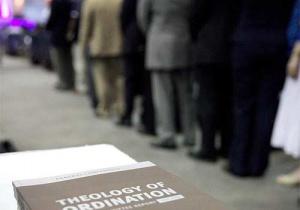 Обсуждение и голосование по вопросу рукоположения. Репортаж Adventist Review